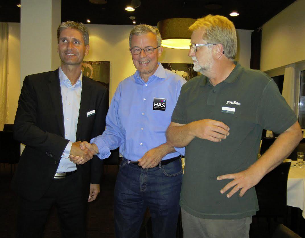Fra venstre: YouSee-direktør René Brøchner, formand for HAS Kurt Larsen, direktør og key account manager i YouSee Kim Schøndorff