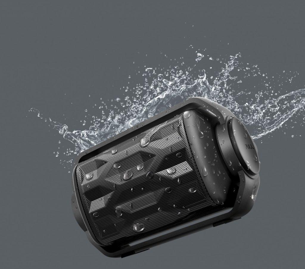Philips BT2200 kan tåle vand i en vis mængde.