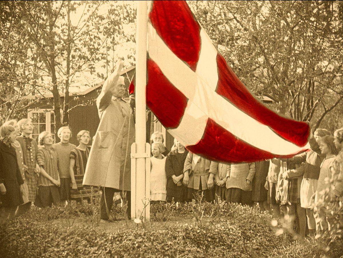 """Fra filmen """"Danmark Skolehaver"""" / 1903-1928"""
