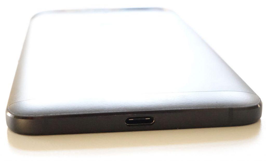 USB Type-C på Google Nexus 6P fra Huawei. (foto: recordere.dk)