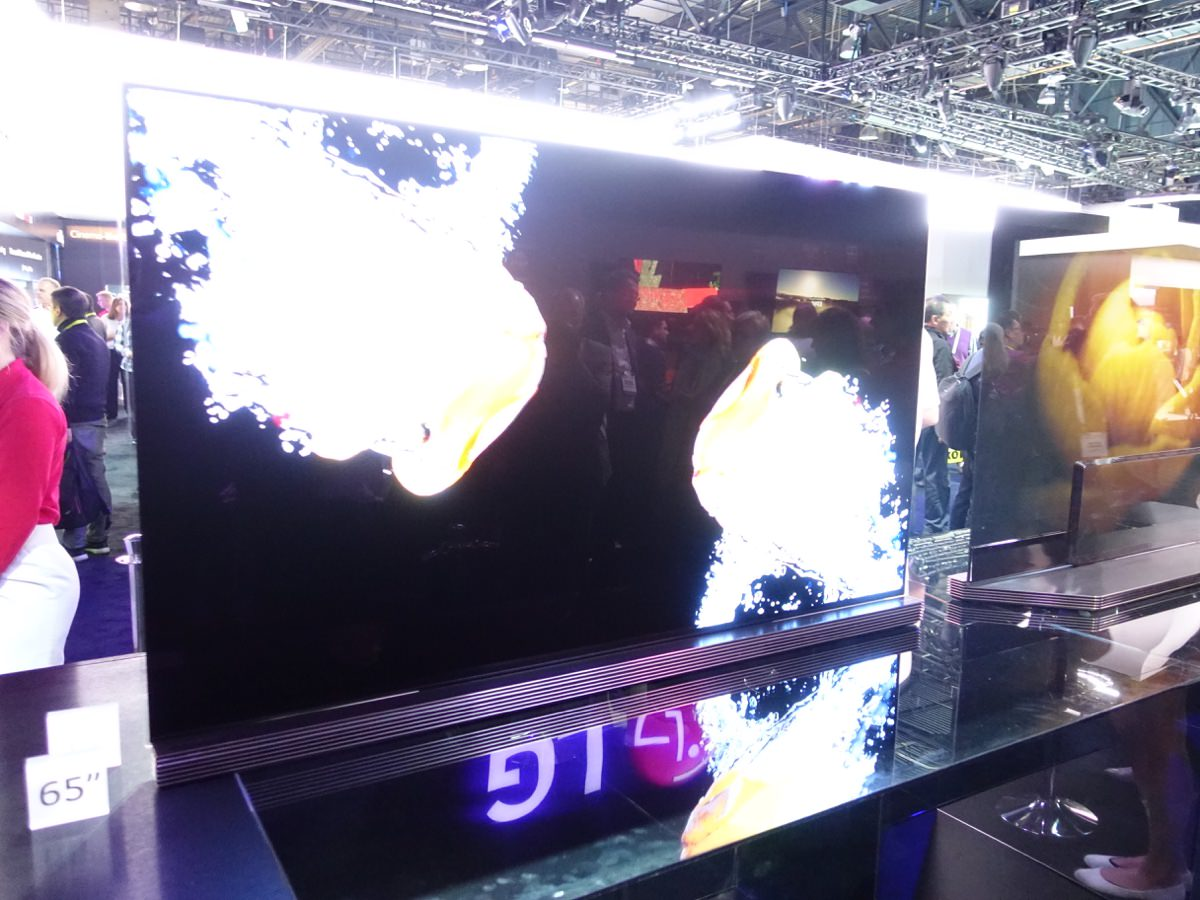 CES_2016_LGBOOTH_11