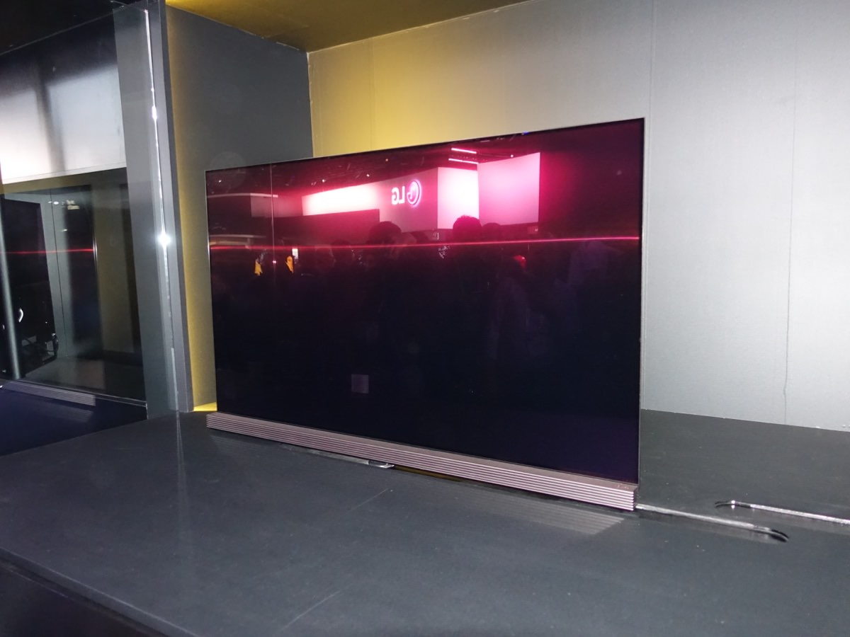 CES_2016_LGBOOTH_2