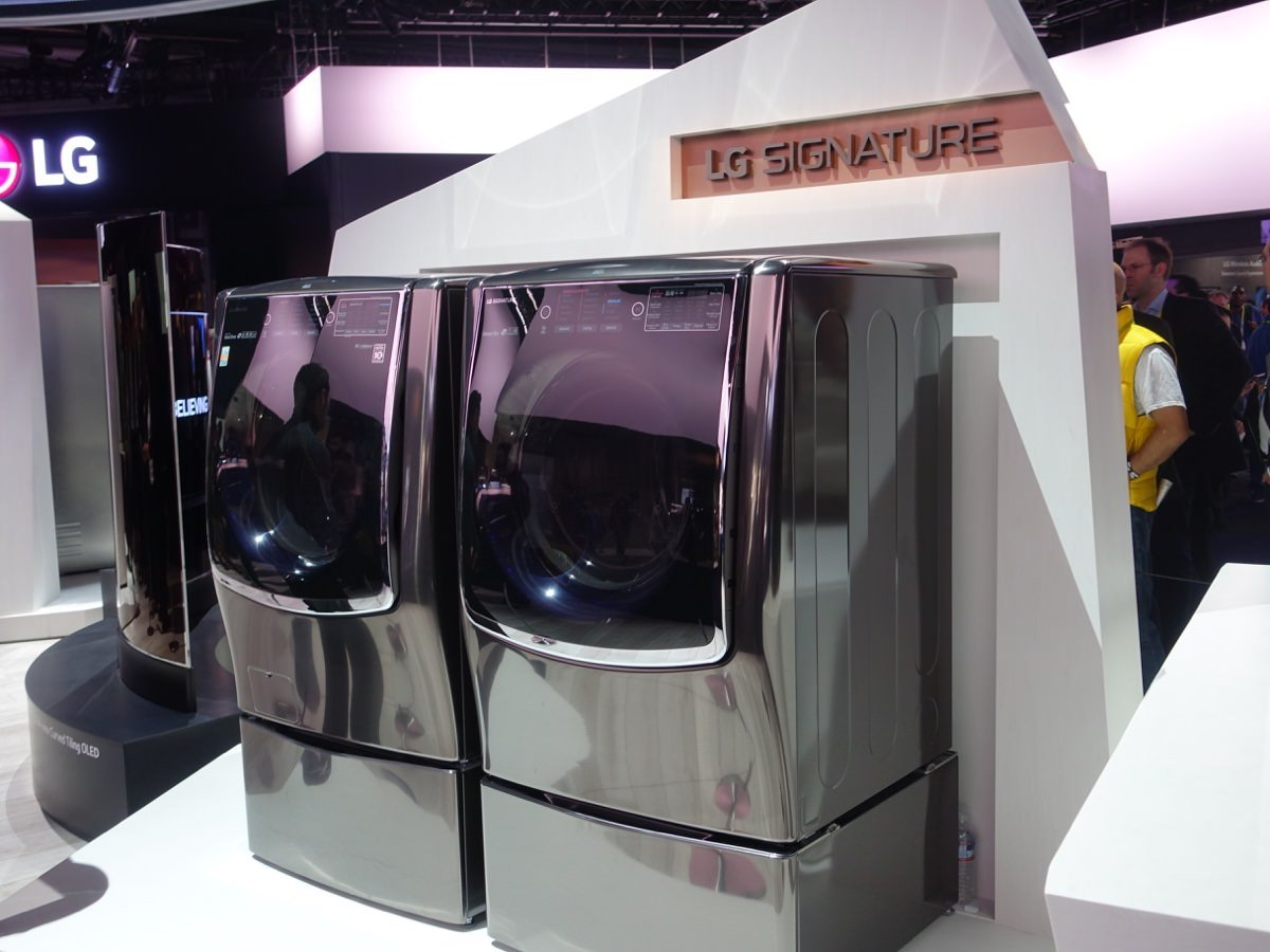 CES_2016_LGBOOTH_23