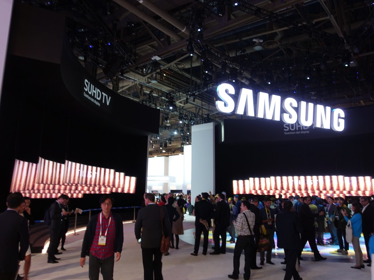 CES_2016_SAMSUNGBOOTH_1
