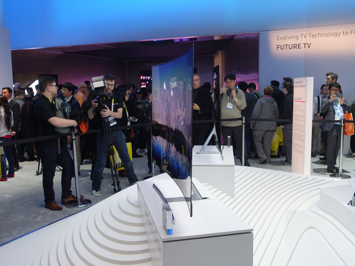 CES_2016_SAMSUNGBOOTH_5