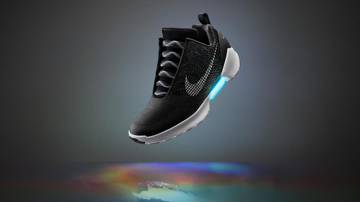 Her er de selvsnørende Nike sko, man rent faktisk kan købe